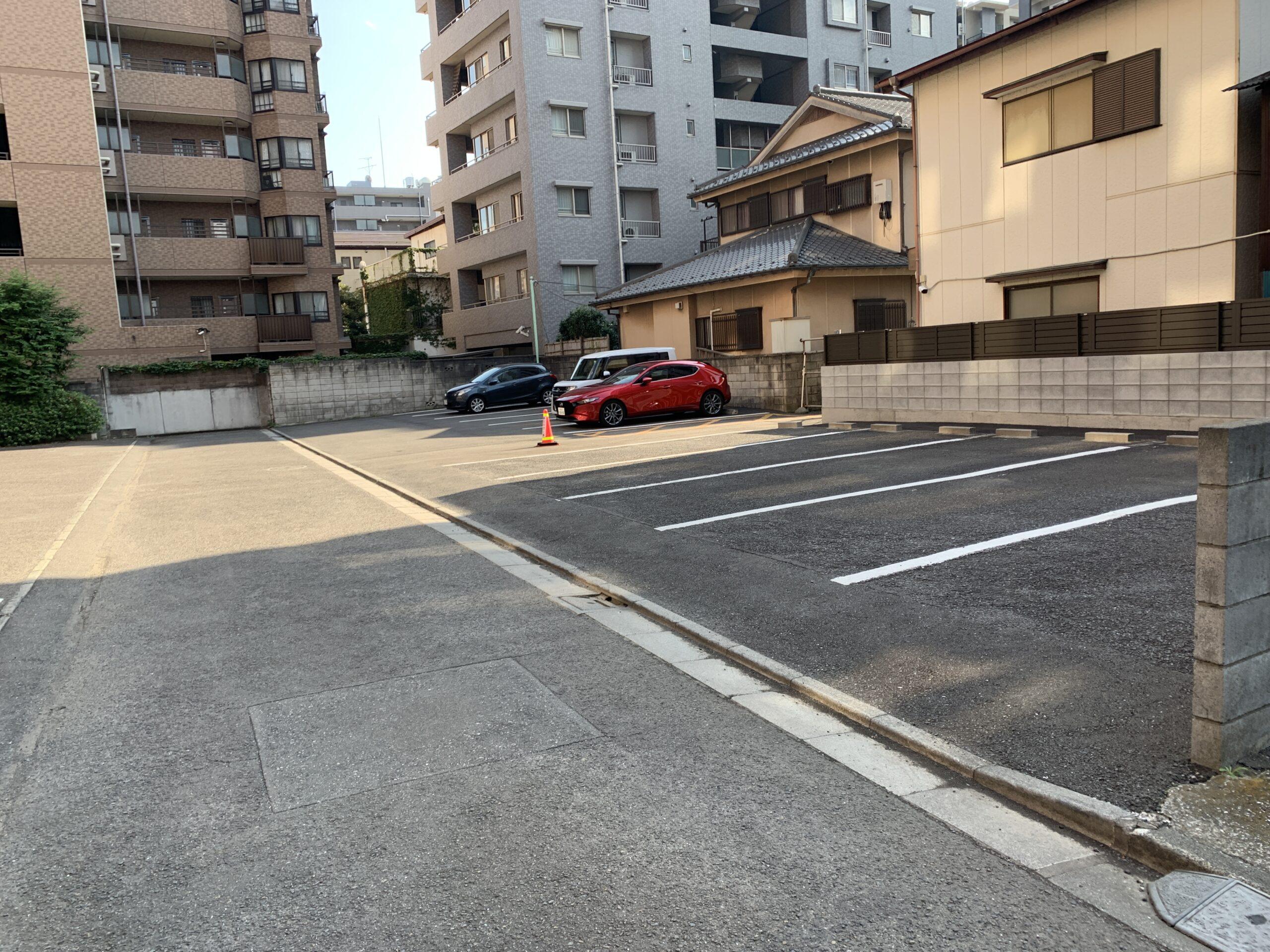 ホテル正面駐車場-川越第一ホテル駐車場